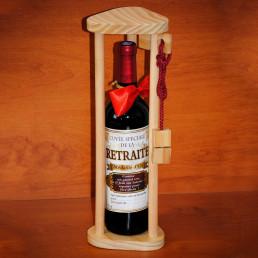 casse t te chinois en bois pour bouteille la tour sur. Black Bedroom Furniture Sets. Home Design Ideas