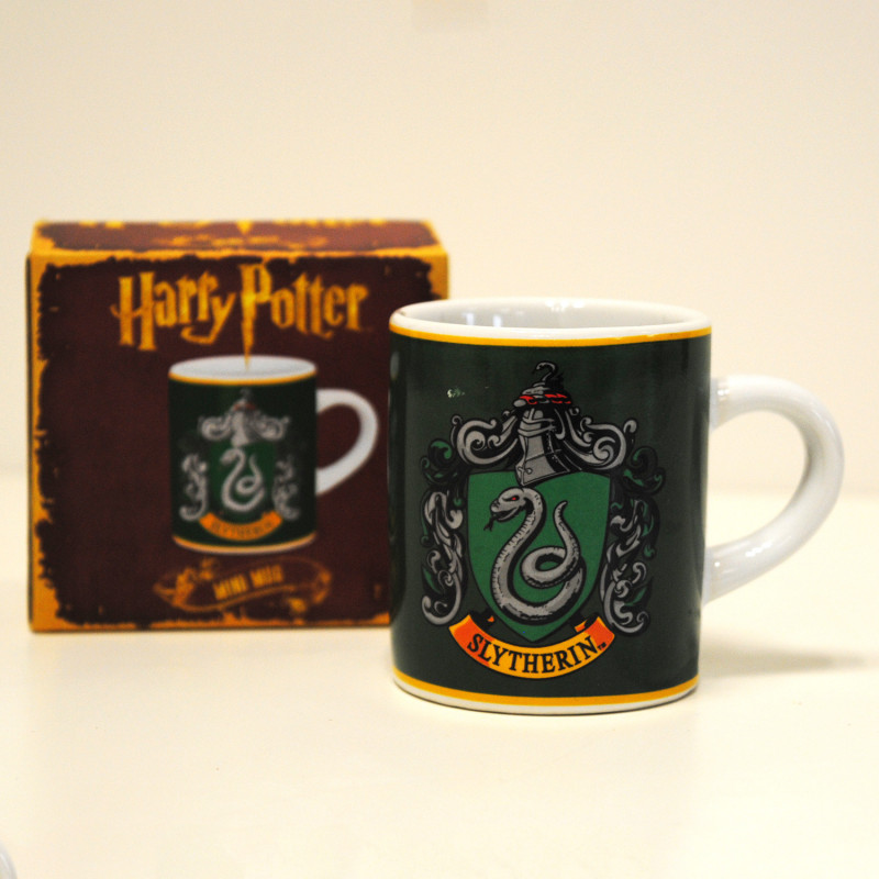 mug harry potter tasse expresso serpentard sur cadeaux et anniversaire. Black Bedroom Furniture Sets. Home Design Ideas