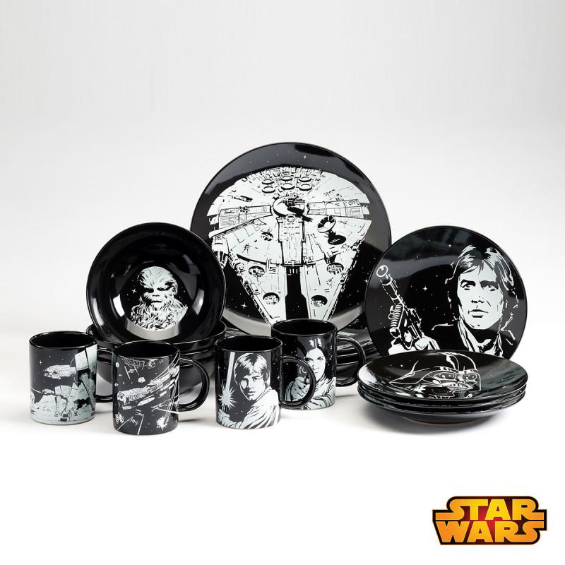 vaisselle en c ramique star wars avec 12 assiettes et 4 mugs sur cadeaux et anniversaire. Black Bedroom Furniture Sets. Home Design Ideas