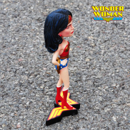 Figurine Wonder Woman à Tête Oscillante