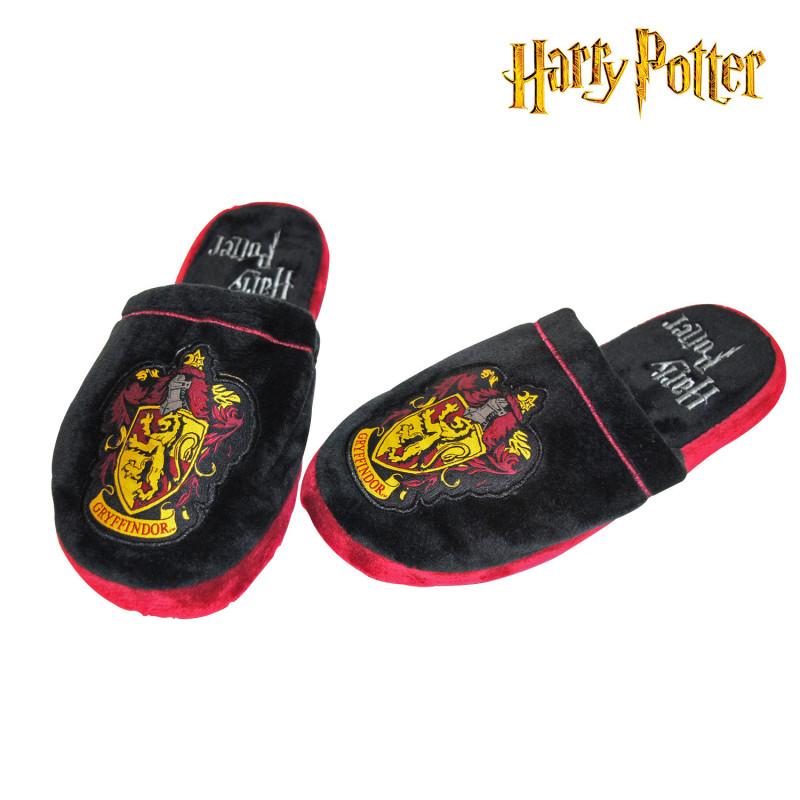 chaussons fantaisie harry potter avec logo gryffondor sur cadeaux et anniversaire. Black Bedroom Furniture Sets. Home Design Ideas