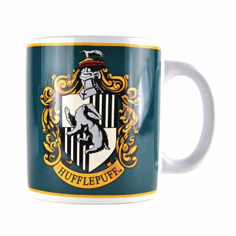 mug poufsouffle en c ramique sous licence officielle harry potter sur cadeaux et anniversaire. Black Bedroom Furniture Sets. Home Design Ideas