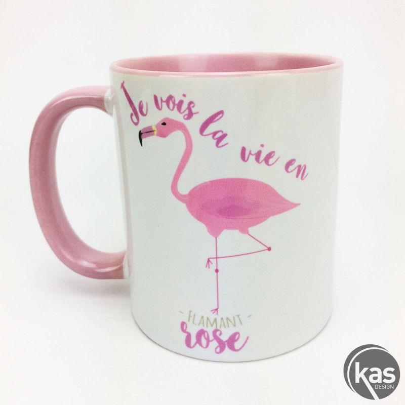 mug flamant rose en c ramique je vois la vie en flamant rose sur cadeaux et anniversaire. Black Bedroom Furniture Sets. Home Design Ideas