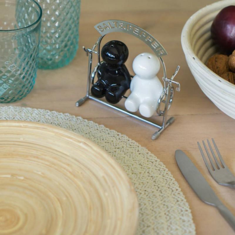 sali re et poivri re design en forme de balan oire sur cadeaux et anniversaire. Black Bedroom Furniture Sets. Home Design Ideas